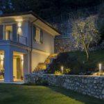 illuminazione-giardino con faretti da esterno a led