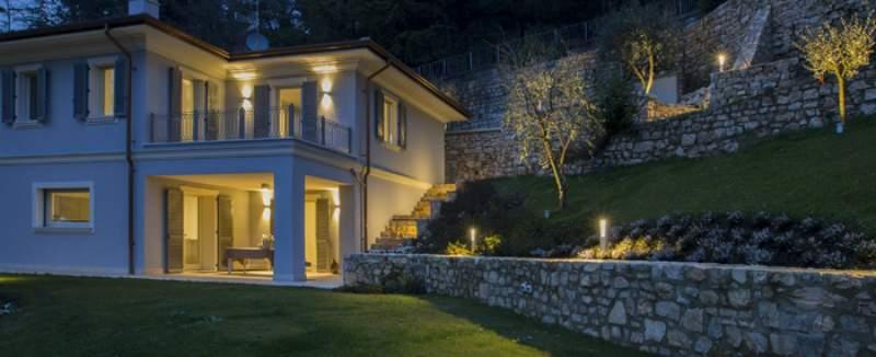 Risparmio energetico ecco perch scegliere i faretti da for Illuminazione da giardino a led